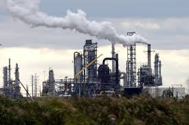 Toxic air from refineries